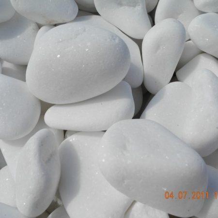hófehér márvány görgeteg