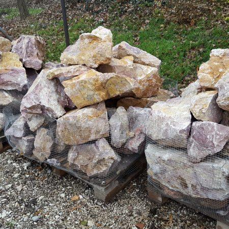 sárgás-lilás kerti sziklák